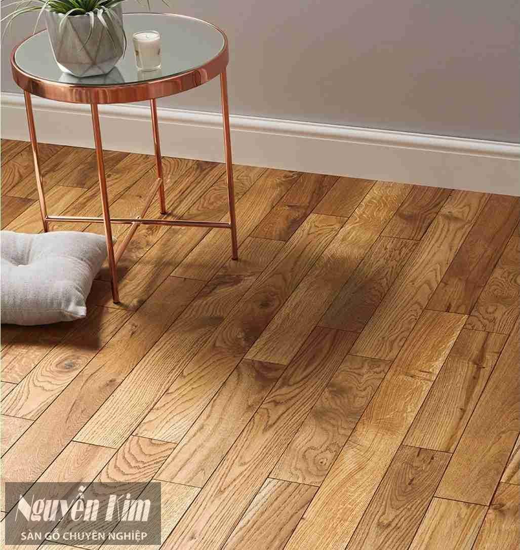 sàn gỗ sồi tự nhiên vân bóng mờ