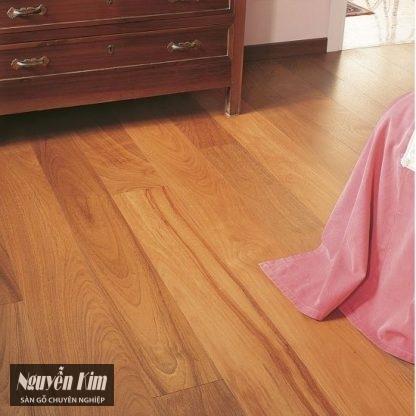 sàn gỗ gõ đỏ ghép mặt tại nhà khách hàng