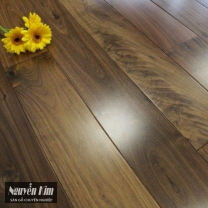 bề mặt sàn gỗ óc chó bắc mỹ