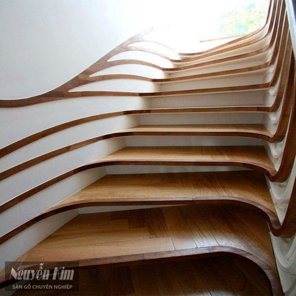 cầu thang hình xoáy ốc