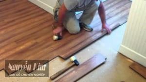 lắp đặt ván sàn gỗ công nghiệp