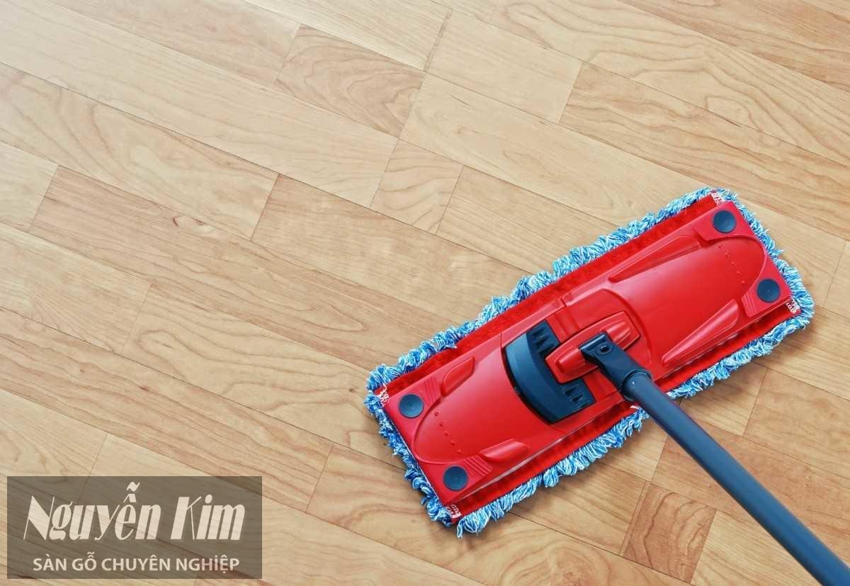 lau sàn gỗ công nghiệp triệt để