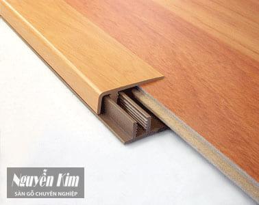 nẹp nhựa ván sàn gỗ