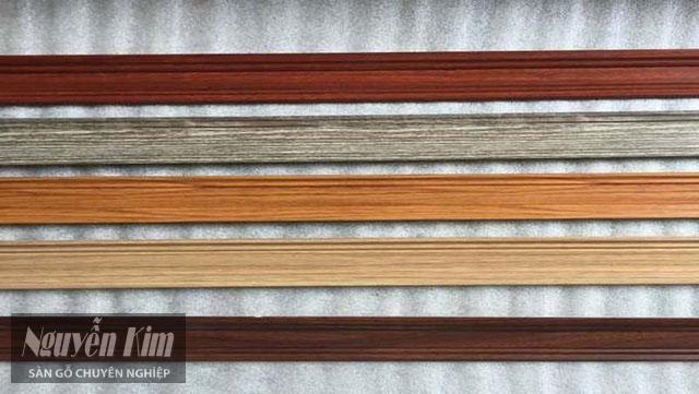 phào chân tường nhựa vân gỗ