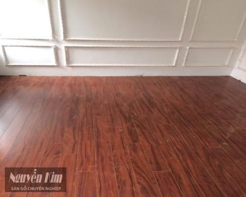 thi công sàn gỗ kronoswiss D2280 thực tế