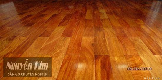 sàn gỗ gõ đỏ hoàn thiện