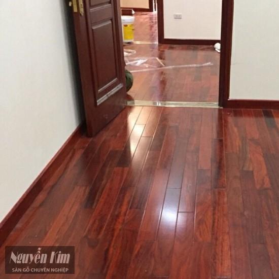 ván sàn gỗ hương nam phi nhà khách hàng