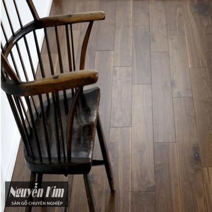 sàn gỗ óc chó cao cấp solid