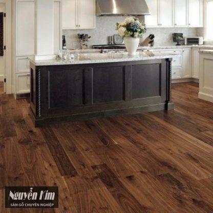 sàn gỗ óc chó ghép mặt tại phòng bếp