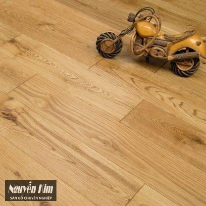 bề mặt sàn gỗ tự nhiên sồi ghép măt