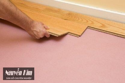 thi công sàn gỗ sồi ghép mặt