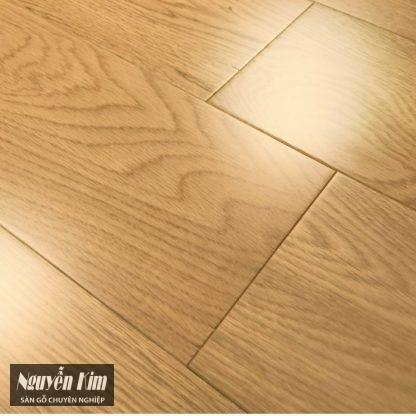 sàn gỗ sồi cao cấp bề mặt đẹp