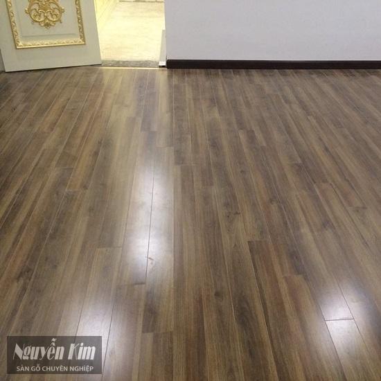 sàn gỗ kronoswiss d2439 sa tại nhà khách hàng