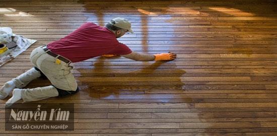 cách nhận biết sàn gỗ chịu nước