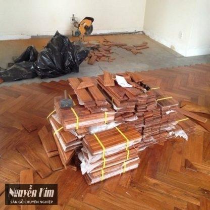 thi công sàn gỗ căm xe xương cá giá rẻ