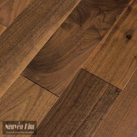 bề mặt sàn gỗ óc chó walnut đẹp