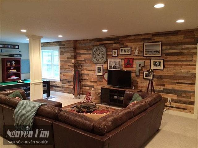 phòng khách trở nên ấn tượng hơn với mẫu gỗ ốp tường tự nhiên