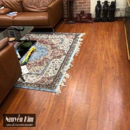 thi công sàn gỗ alder 9191 nhà khách hàng