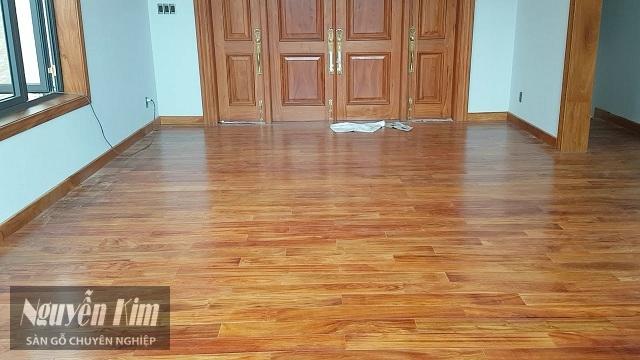 sàn gỗ gõ đỏ sau khi hoàn thành