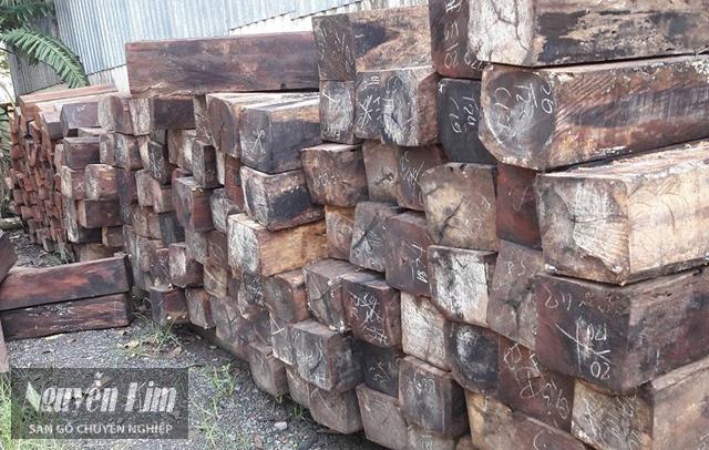 gỗ cà chít đen