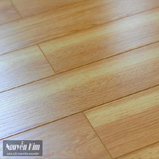 bề mặt sàn gỗ công nghiệp pago KN101
