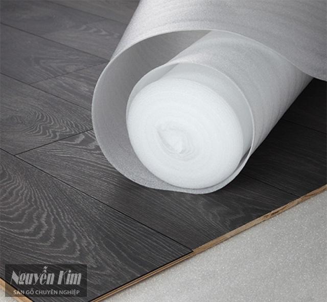 phân loại mút lót sàn gỗ