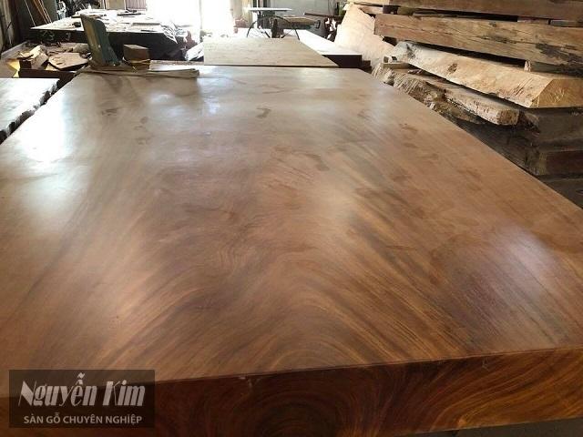 gỗ lát khét có tốt không