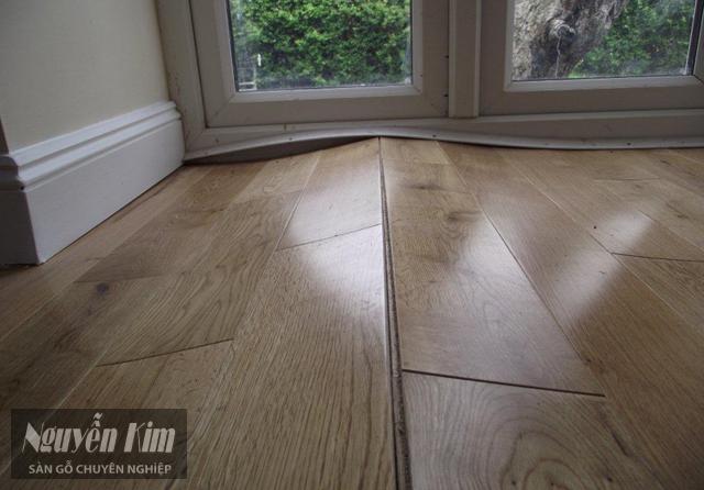 nguyên nhân sàn gỗ bị phồng