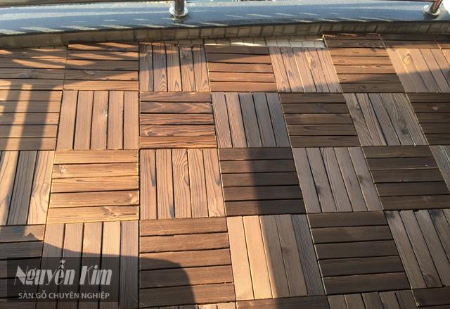 vỉ sàn gỗ ban công ấn tượng