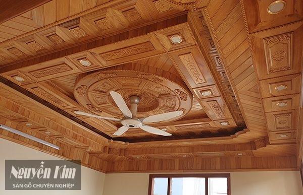 trần gỗ tự nhiên là gì