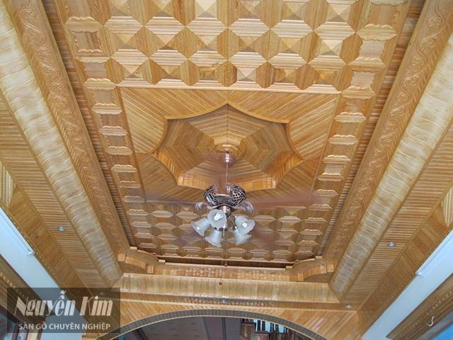 mẫu trần gỗ nhà ống