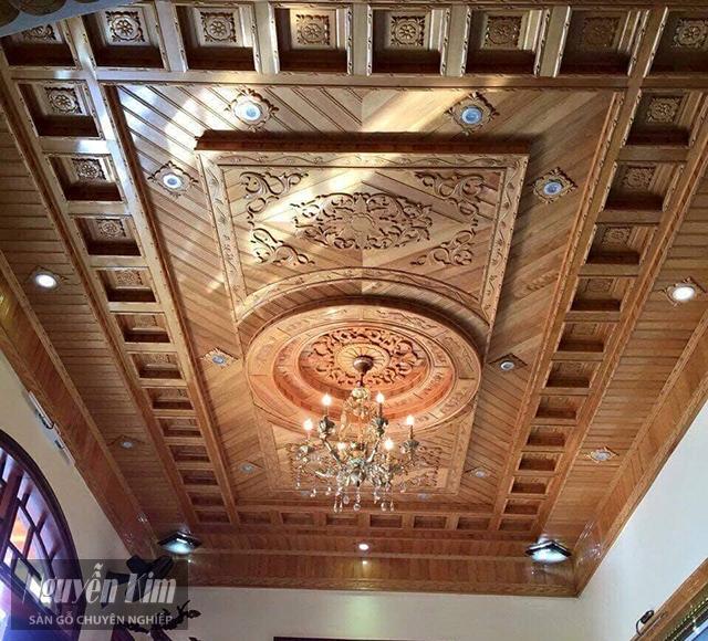 Mẫu trần gỗ nhà ống đẹp