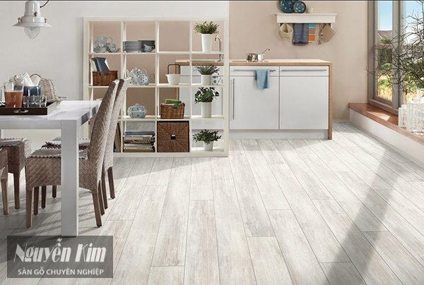 Cách chọn màu sàn gỗ công nghiệp cho mệnh Thủy